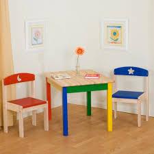 kinderzimmer einrichten kinderzimmer einrichten kindermöbel tisch stühle kinderzimmer