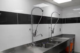 normes cuisine professionnelle murs de cuisine collective revêtement adapté aux normes haccp