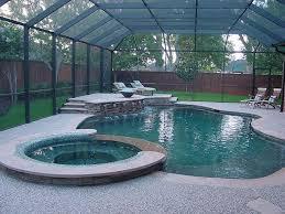 enclosed pool mal pq en el porche no querría estar con todo el vapor image