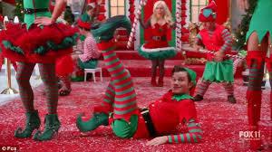 Seeking Santa Claus Episode Glee S Lea Michele Naya Rivera And Chris Colfer Are Santa S