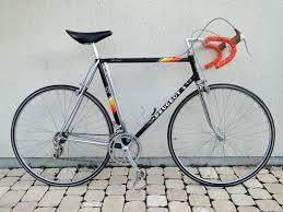 peugeot bike logo peugeot py10 de 1980 ré émaillé avec déco de 1983 bike