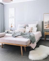 chambre parentale cosy couleur de chambre bleu clair cosy pastel fourrure chambre