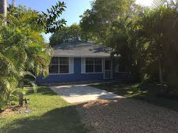 classic old style florida home in historic homeaway view of house from street newly painted 2014 inside and out