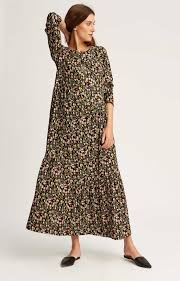 dress we tree gives us the dresses we need now giving fashion