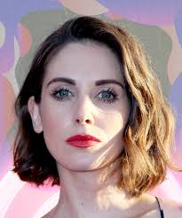 female pubic hair around the world alison brie glow celebrity full bush pubic hair trend