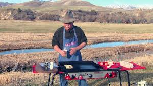 Camp Style Smashed Potatoes And Eggs Camp Style On The Sporting Chef Youtube