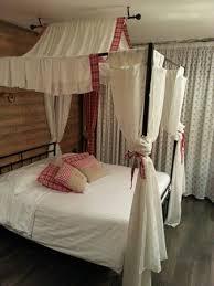 hotel restaurant avec dans la chambre chambre très agréable avec lit à baldaquin picture of hotel