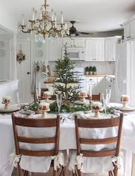 dining table center piece 45 beautiful christmas dining table decor ideas homeylife com