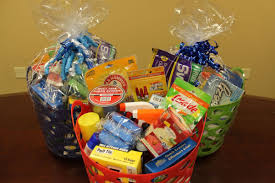 housewarming gift baskets housewarming gift basket giveaway the jim snyder way