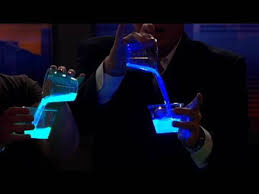 Cool Blue Liquid Light Cool Science Experiment Youtube