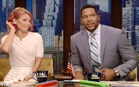 michael strahan new haircut kelly ripa shows off her new pink hairdo live on air daily mail