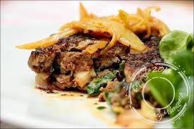 cuisiner steak haché steaks hachés oignons cumin et paprika de cyril lignac un