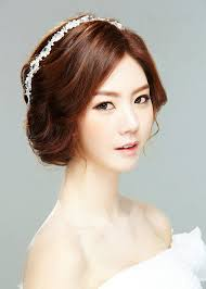 asian wedding hairstyles for short hair casual curls for wedding