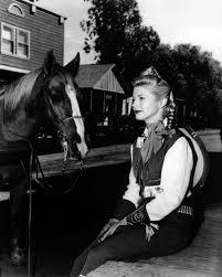 annie oakley halloween costume gail davis bad girls and horses pinterest annie oakley