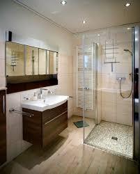 bad freistehende badewanne dusche uncategorized kleines kleine zimmerrenovierung bad