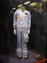 file space shuttle suit jpg wikimedia commons