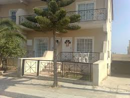 a buetifull 2 bedroom house for rent in larnaca mazotos cyprus