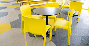 Modern Bistro Chairs Bold Black Cafe Tables With Yellow Cafe Chairs Id Szkoła