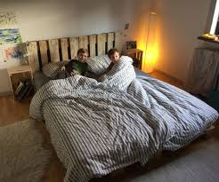 simple elegant pallet bed 6 steps with pictures