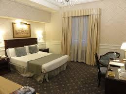 canape madrid grande chambre avec canapé écran plat coffre mini bar bureau