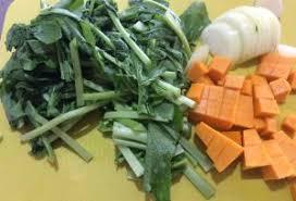 cuisiner les fanes de radis recette de tarte aux fanes de radis l idée pour utiliser les fanes
