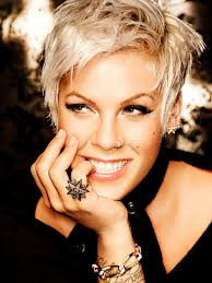 pinks current hairstyle best 25 beth moore hair ideas on pinterest bob moore singer