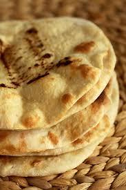 cuisine libanaise facile houmous falafels aux petits pois et pita libanais cuisine