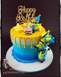 Minion Cake Decorations Best 25 Minion Cakes Ideas On Pinterest Minions Birthday Cakes