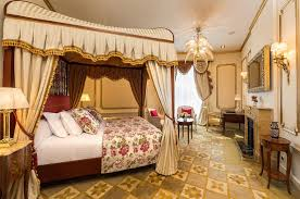 Englische Schlafzimmerm El Suite Salvador Dalí El Palace Hotel Barcelona 5 Stars Luxury