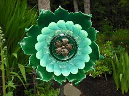 using recycled glass to make flowers diy glass flowers