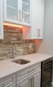 Cool Stone And Rock Kitchen Backsplashes That Wow New Home - Rock backsplash
