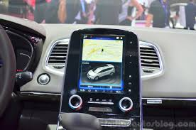 2015 renault espace infotainment display at the 2014 paris motor