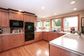 Kitchen Cabinets Crown Molding HBE Kitchen - Kitchen cabinets with crown molding