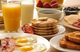 what is the best breakfast for a diabetic two hearty meals each day better for you than 6 snacks a