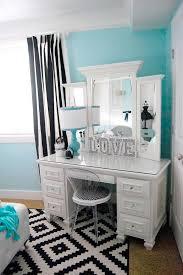 Bathroom Vanity With Makeup Table by Best 25 Makeup Vanities Ideas On Pinterest Bedroom Makeup