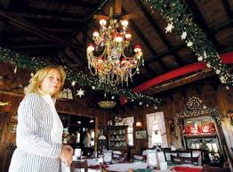Giant Chandelier Boat House Displays Ornate Chandelier For The Holidays New