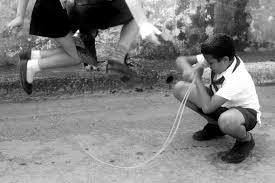 giochi da cortile chi ha rubato i giochi ai bambini europa quotidiano