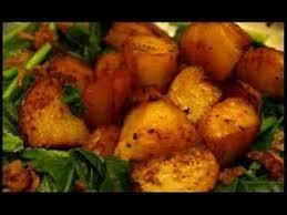 comment cuisiner des pommes de terre recette des pommes de terre sautées à l ail et les herbes de