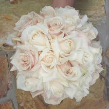 White Rose Bouquet Best 25 Ivory Rose Bouquet Ideas On Pinterest White Rose