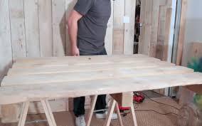 table de cuisine en palette diy réaliser facilement une table en palettes sur