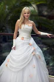 outdoor wedding dresses outdoor wedding dresses lovetoknow