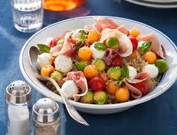 comment cuisiner le quinoa recettes salades de quinoa nos meilleures recettes femme actuelle