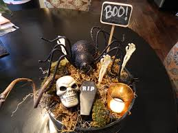 Mini Halloween Ornaments by 29 Spooktacular Halloween Centerpieces