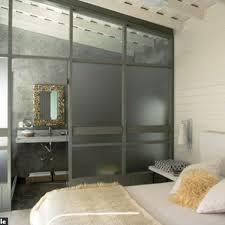 cloison pour chambre une chambre ouverte sur la salle de bains côté maison