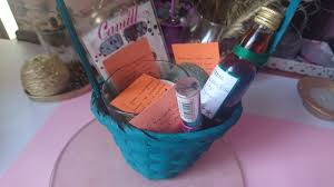 best friend gift basket best friend birthday basket gift ideas limbria