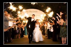 Sparklers For Weddings S Sparklers Bubbly Bride