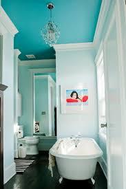 badezimmer dunkelblau wandfarbe badezimmer frische ideen für kleine räumlichkeiten