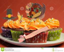 thanksgiving cupcake cake ideas happy thanksgiving cupcakes with turkey feast and pilgrim hat