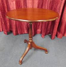 Oval Accent Table Lot Detail Adorable Tilt Top Oval Accent Table And Fashionable