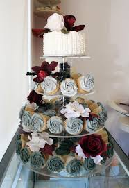 ombre grey and burgundy wedding cupcake tier with cutting cake